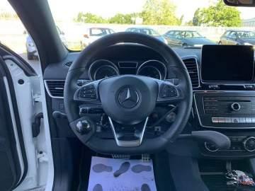 Frein au volant avec accélérateur sur Mercedes GLE